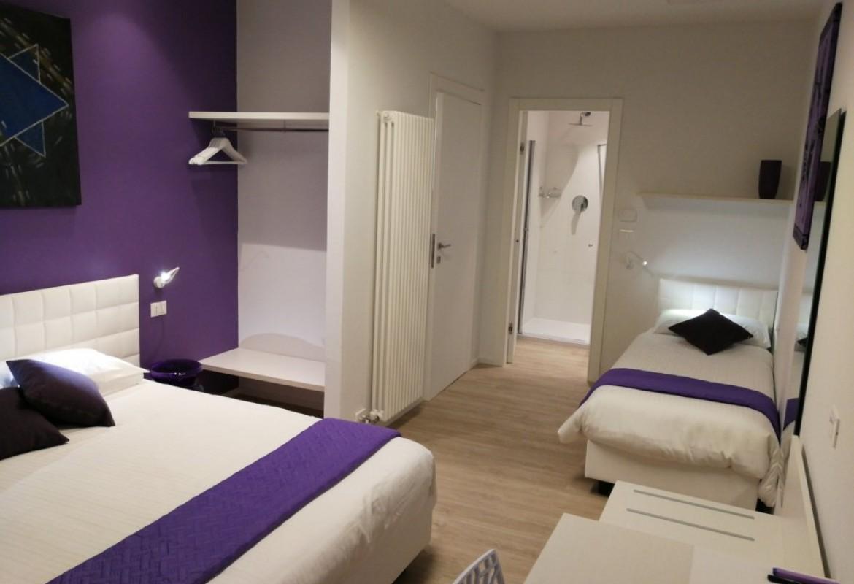 Lila Zimmer | Lila Zimmer Bed Breakfast Suite Color Verona